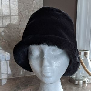 Casual Corner faux for hat